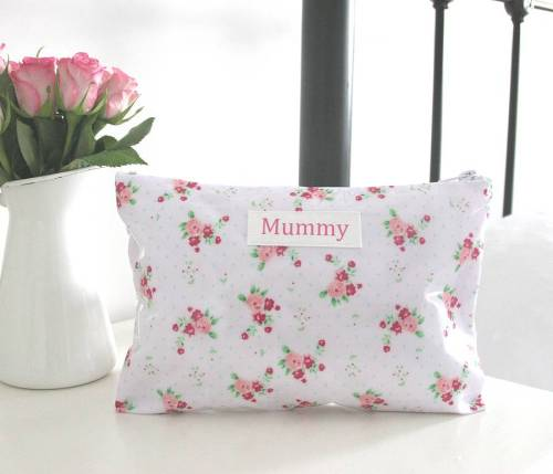 mummy-wash-bag